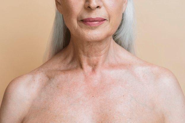 Décolleté e seno: cosa succede con l'invecchiamento?